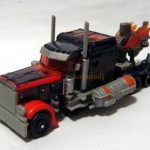 DOTM-Battle-Axe-Optimus-Prime-2