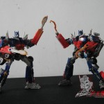 Dark-Of-The-Moon-Walmart-Exclusive-Optimus-Prime-05