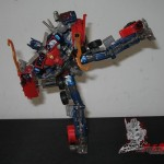 Dark-Of-The-Moon-Walmart-Exclusive-Optimus-Prime-07