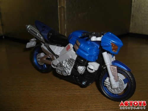 DOTM Arcee - Bike Mode -1