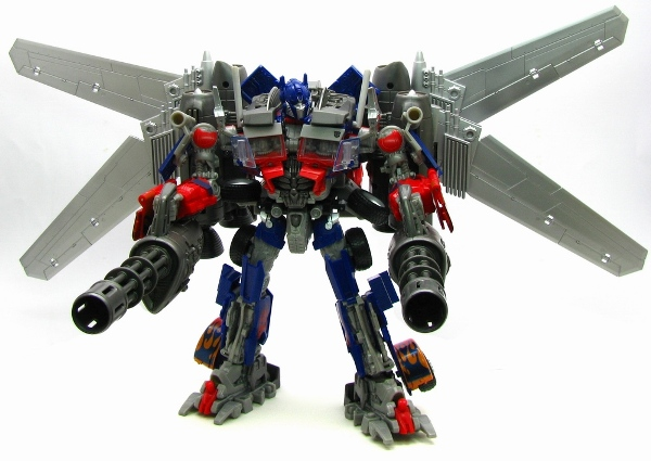 TakaraTomy Darkside Moon DA15 Jetwing Optimus Prime - bot mode