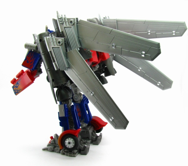 TakaraTomy Darkside Moon DA15 Jetwing Optimus Prime - wings folded