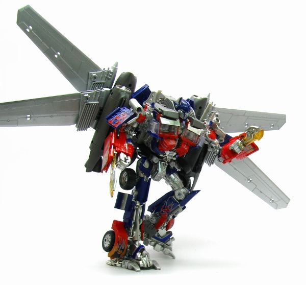 TakaraTomy Darkside Moon DA15 Jetwing Optimus Prime