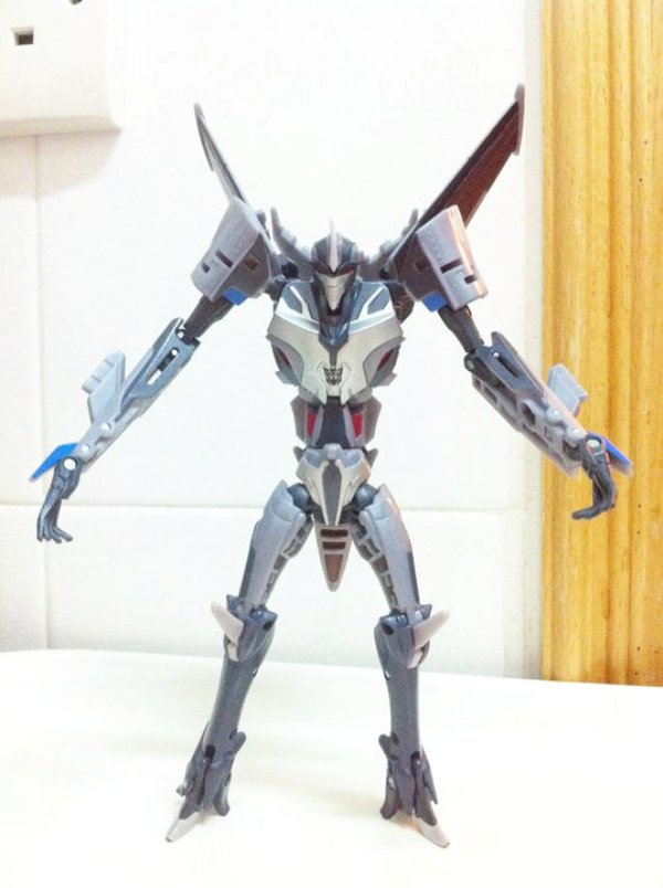 Transformers Prime - Deluxe Starscream -2