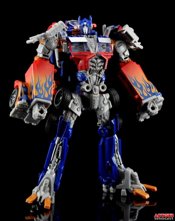 Transformers Ultimate Optimus Prime - 1