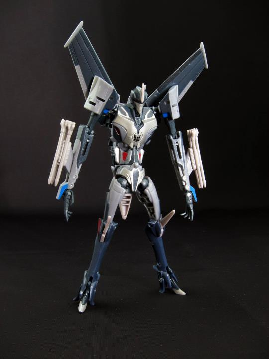 Transformers-Prime-Starscream-robot