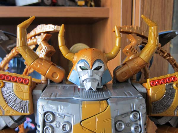 Unicron Generation 1 Amazon Exclusive (1)