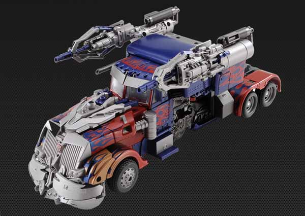 DOTM Striker Optimus Prime Japanese Exclusive (4)
