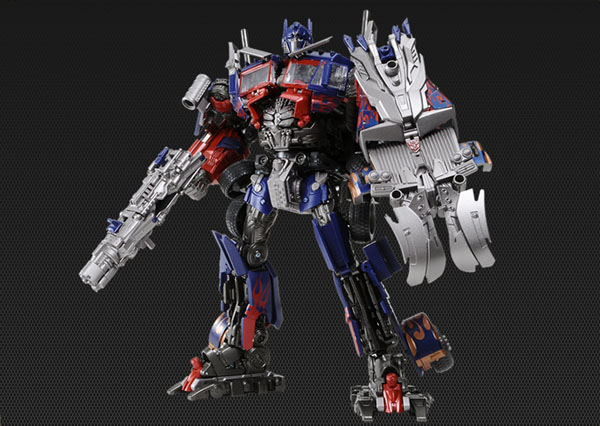 DOTM Striker Optimus Prime Japanese Exclusive (5)