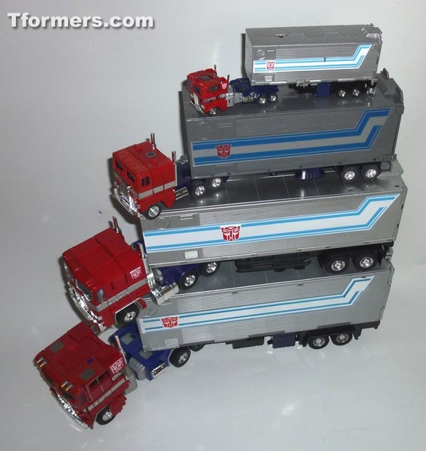 MP 10 Optimus Prime Convoy compared truck mode