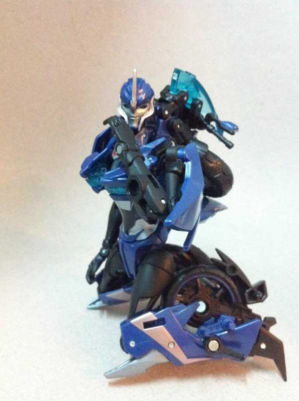 Transformers Prime Arcee First Edition (1)