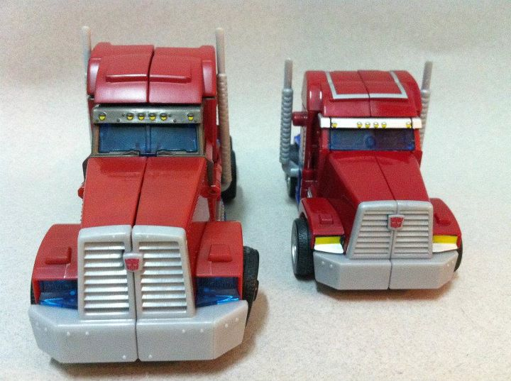 Transformers Prime Voyager  and Deluxe Optimus truckmode