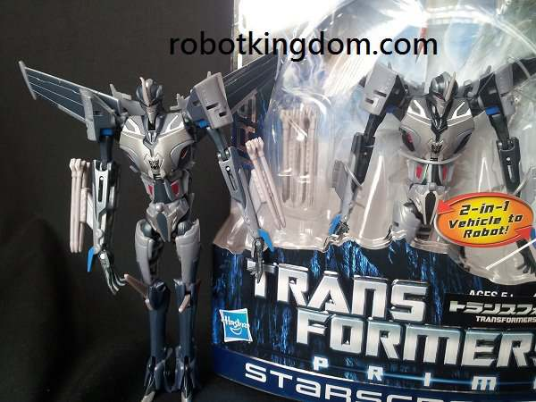 Transformers Prime Takara vs Hasbro - Starscream