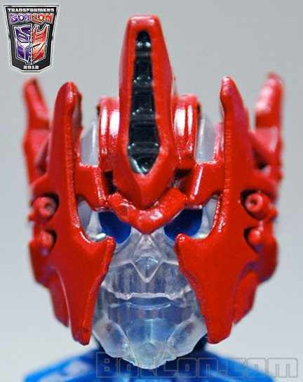 Botcon Exlusive Shattered Glass Ultra Magnus Headshot