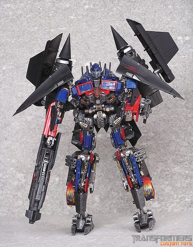 Power Up Optimus Voyager Class