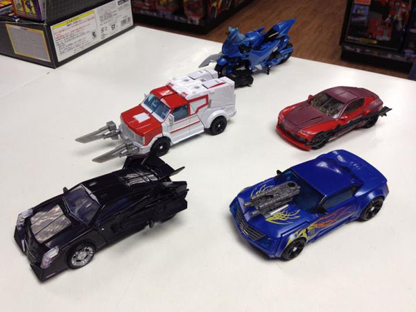 Transformers Prime Knock Out, Hot Shot and Vehicon  Vehicle