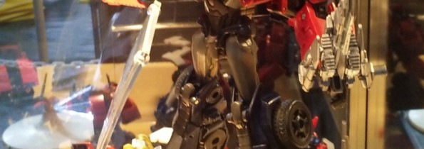 New Voyager Optimus Prime | Transformers Prime