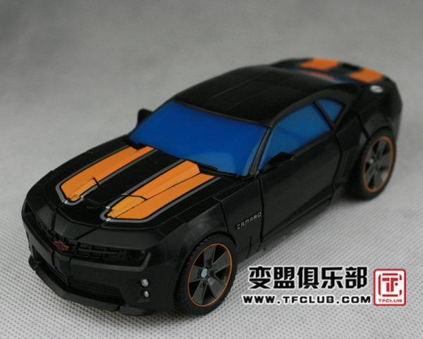 DOTM Bumblebee - Human Alliance car mode - 1