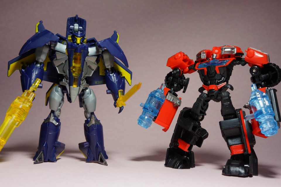 Transformers Prime Cyberverse Commanders Dreadwing and Ironhide Images